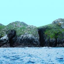 Isla de Ons. Cuevas de Gavotos
