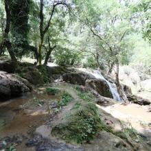 O. Tizguite au niveau de la cascade : vue de profil