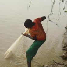 Photo 2 : Pratique de la pêche sur le Site