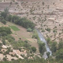 Vallée aux versants boisés de l'Ahançal dans son bas cours