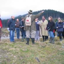 Federal Forests personnel explaining management measures at the site to members of the Austrian National Ramsar Committee.